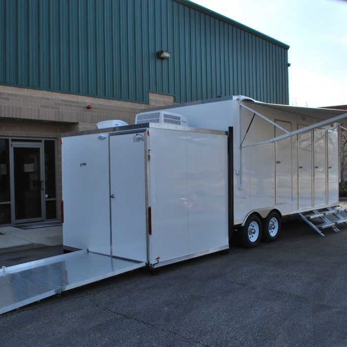 Trailer with wheelchair access